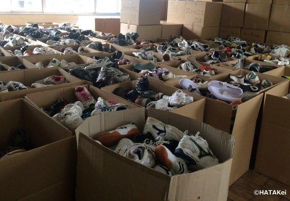 運動靴は「ボコ・ハラム」に苦しむ子どもたちへ