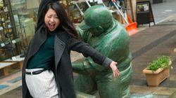 「ケツバットガール!」ドカベンのフルスイングを受ける女性たち