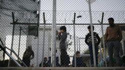 難民の子供たちは、ギリシャ警察の虐待と拷問で心身ともに深い傷を負っている