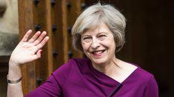 イギリスのメイ新首相はおしゃれ番長、大の靴好き