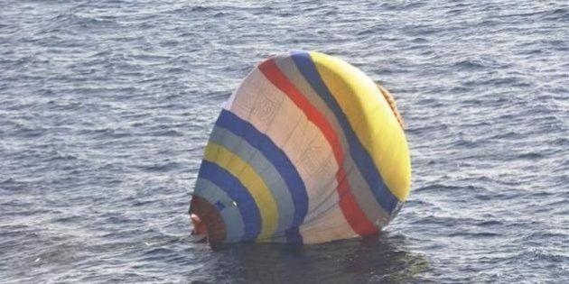 尖閣諸島周辺に中国人が乗った熱気球が不時着水