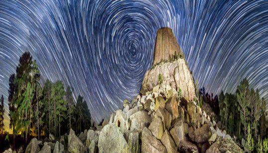 目がくらむような天体パノラマ写真は、「壮観」という言葉では形容しきれない(画像集)