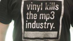 米国でデジタル音楽販売が初の減少。アナログレコードは続伸