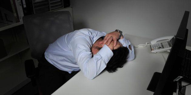 「残業代ゼロ法案」、残業時間が長い企業ほど否定的(調査結果)