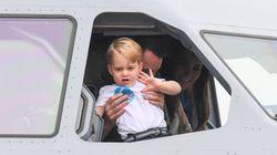 ジョージ王子、航空ショーに参加 操縦席に乗っちゃった