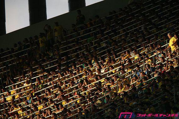 W杯スタジアム建設はなぜ遅れているのか? 横行する賄賂、不正な入札、ブラジルサッカーの暗部に迫る(沢田啓明)