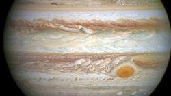 影の中でも木星の衛星が放つ微光発見