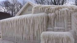 カナダ・オンタリオ湖近くの家が完全に氷で覆われる(画像)