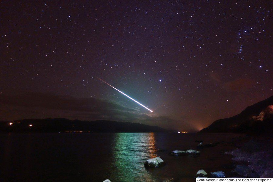 ネッシー「ネス湖の流れ星はきれいですねっしー」(画像)