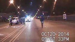白人警官が黒人少年に銃撃16発...シカゴの警察本部長を解任(動画)