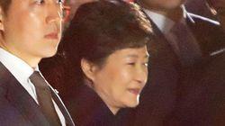 韓国の朴槿恵・前大統領が公邸から自宅に戻る