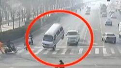 まるでスター・ウォーズ 自然を超越した中国の交通事故【動画】