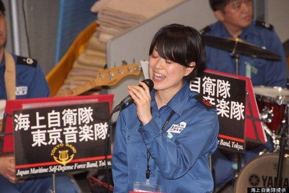海上自衛隊の歌姫・三宅由佳莉さんが歌う被災地への「祈り」とは