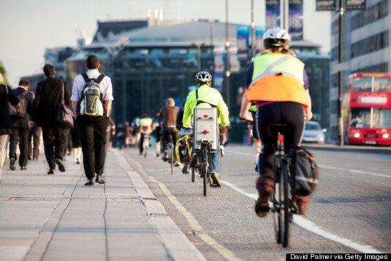 (ロンドンの自転車レーン)