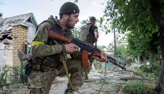 ウクライナ東部、停戦合意破綻の恐れ ポロシェンコ大統領、ロシアの本格侵攻を警戒