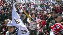 朴槿恵大統領の失職で揺れる韓国 弾劾反対集会の参加者3人死亡(UPDATE)