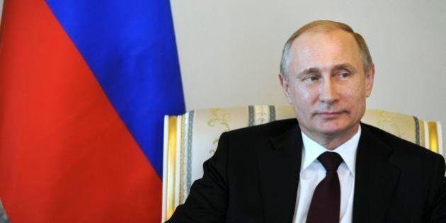 プーチン大統領、クリミア併合で「核兵器準備していた」