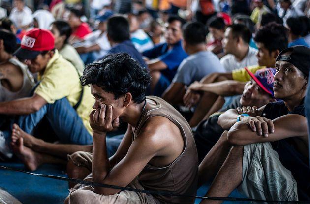 ドゥテルテ・フィリピン新大統領が就任「麻薬犯罪者は射殺」に自首殺到
