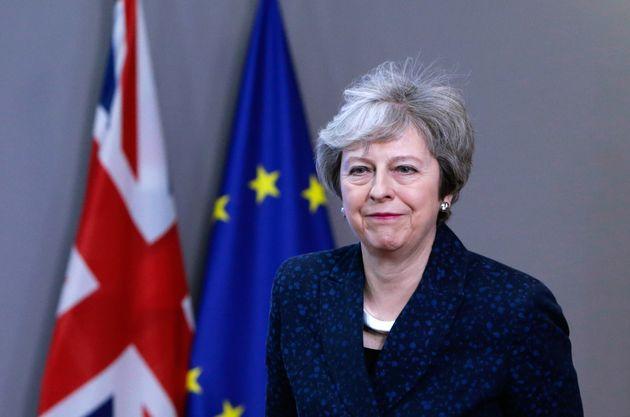 테레사 메이 영국 총리는 브렉시트 합의안 의회 통과를 압박하기 위해 '미치광이 전략'을 쓰고 있다는 평가를 받고