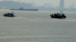 中国・長江で447人乗せた客船が転覆 20人を救助