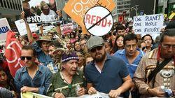気候変動デモ、ニューヨークで30万人超 レオナルド・ディカプリオさんも参加