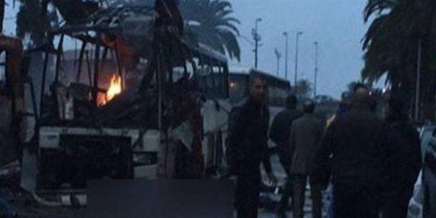 チュニジアで大統領警護隊のバスが爆発、12人死亡