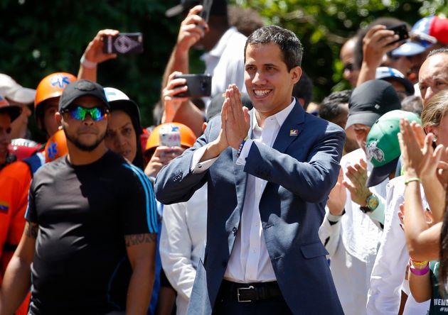 Reuters: Ο Γκουαϊντό σκοπεύει να διορίσει μεταβατικό
