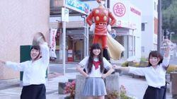 東日本大震災の被災地に広がる「Happy」の笑顔