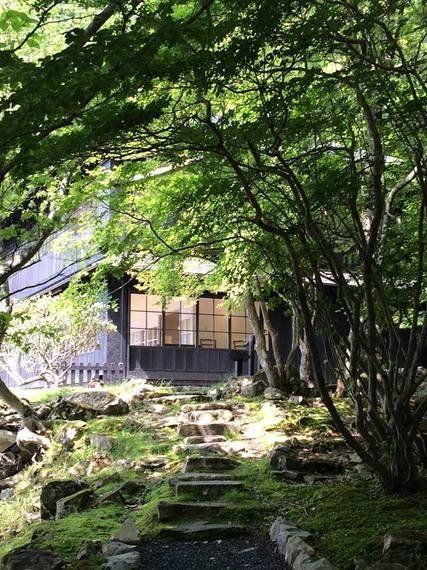 中禅寺湖畔に佇む美しき大使館別荘群