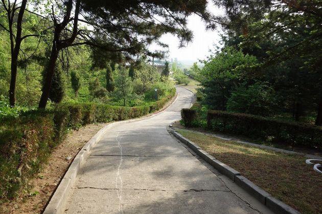 北朝鮮・平壌に「日本人村」
