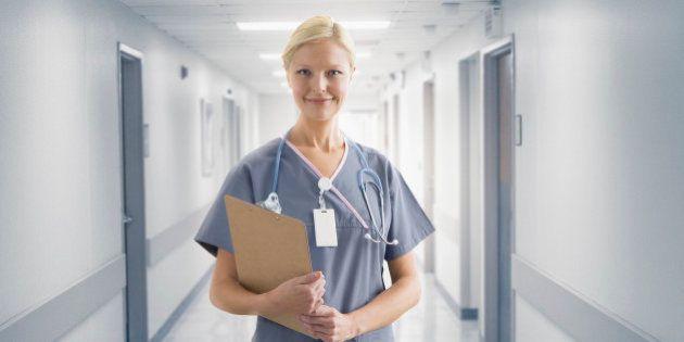 更なる看護大学の新設を!少子化に逆行して高まる大卒看護師人気