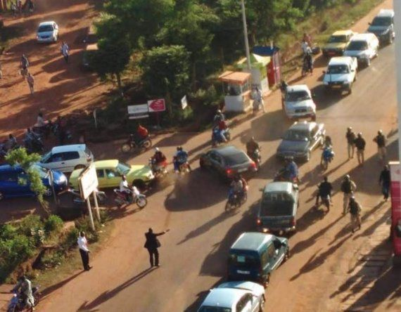 西アフリカ・マリのホテルが襲撃 170人が人質に