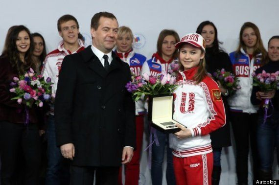 リプニツカヤ選手らソチ五輪メダリストにロシアがメルセデスの新車をプレゼント