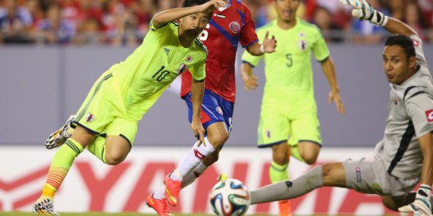 TAMPA, FL - JUNE 02: Shinji Kagawa of Japan scores a goal during the International Friendly Match between...