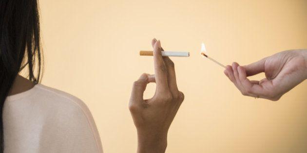 「たばこ吸っていい?」は本当に気遣いなのか 喫煙マナーに賛否の声