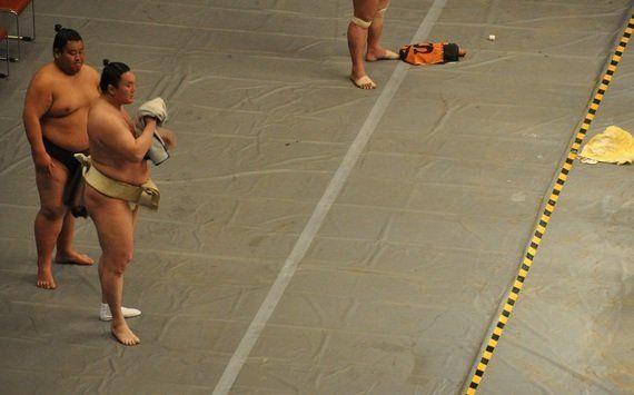 千秋楽の翌日に優勝力士の記者会見を行なう必要はあるの?-不知火の大横綱、第69代横綱白鵬のニュースを見て思う-