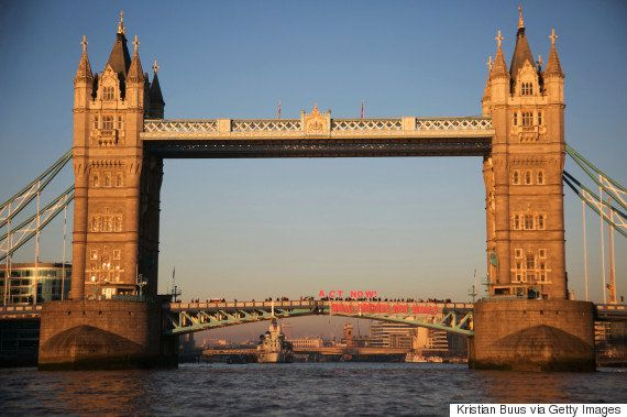 ロンドンのタワーブリッジそっくり?