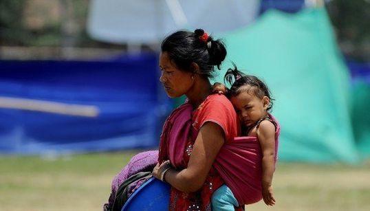ネパール大地震から1カ月 迫る雨期、テントで暮らす人々はいま