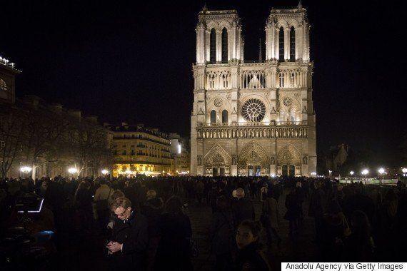 テロ後の3日間、パリ市民は何を思ったのか「光を、窓にロウソクを」