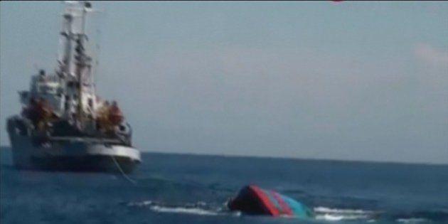 ベトナム国営テレビ、漁船沈没の映像公開