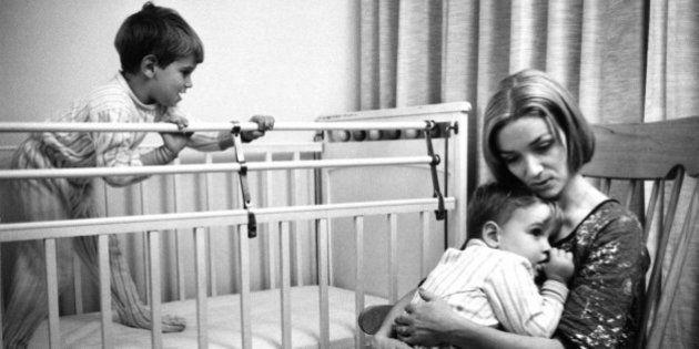 母親の愛情は、半世紀前でも変わることはない(画像)