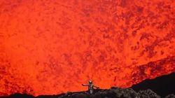 活火山の噴火口に近づいてGoProで撮影したら、そこは地獄への扉だった(動画)