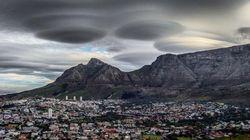 「UFO」雲が南アフリカに現れる これはエイリアンの侵略か