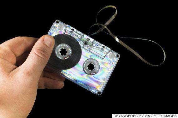 フロッピーからカセットテープまで 2015年でも現役なレトロテクノロジーとは