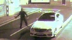 男が窓にレンガを投げた。レンガは窓に弾かれた。レンガは男をKOした(動画)