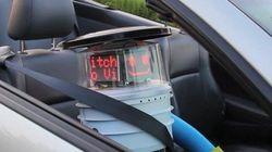 ヒッチハイクでカナダを横断するロボット「ヒッチボット」(動画・画像)