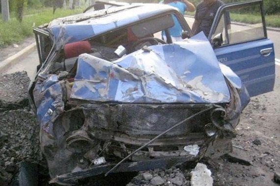 車載カメラの衝撃映像、ウクライナで道路にミサイルが着弾する瞬間 車もペシャンコに