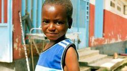 【エボラ出血熱】絶望的な重篤状態から奇跡の生還を果たした7歳の少年に、希望の光を見た(画像)