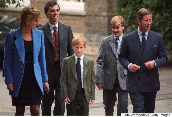 ウィリアム王子の被災地訪問、母ダイアナ妃から受け継いだ思いがあった