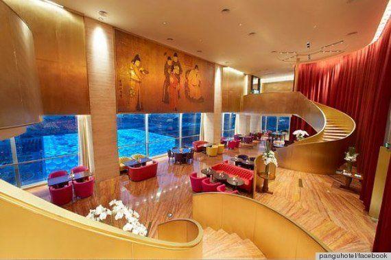 7つ星ホテル+古代=王様気分(画像)